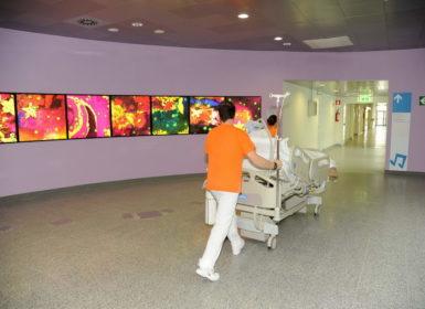 Trasporto letto nel nuovo reparto